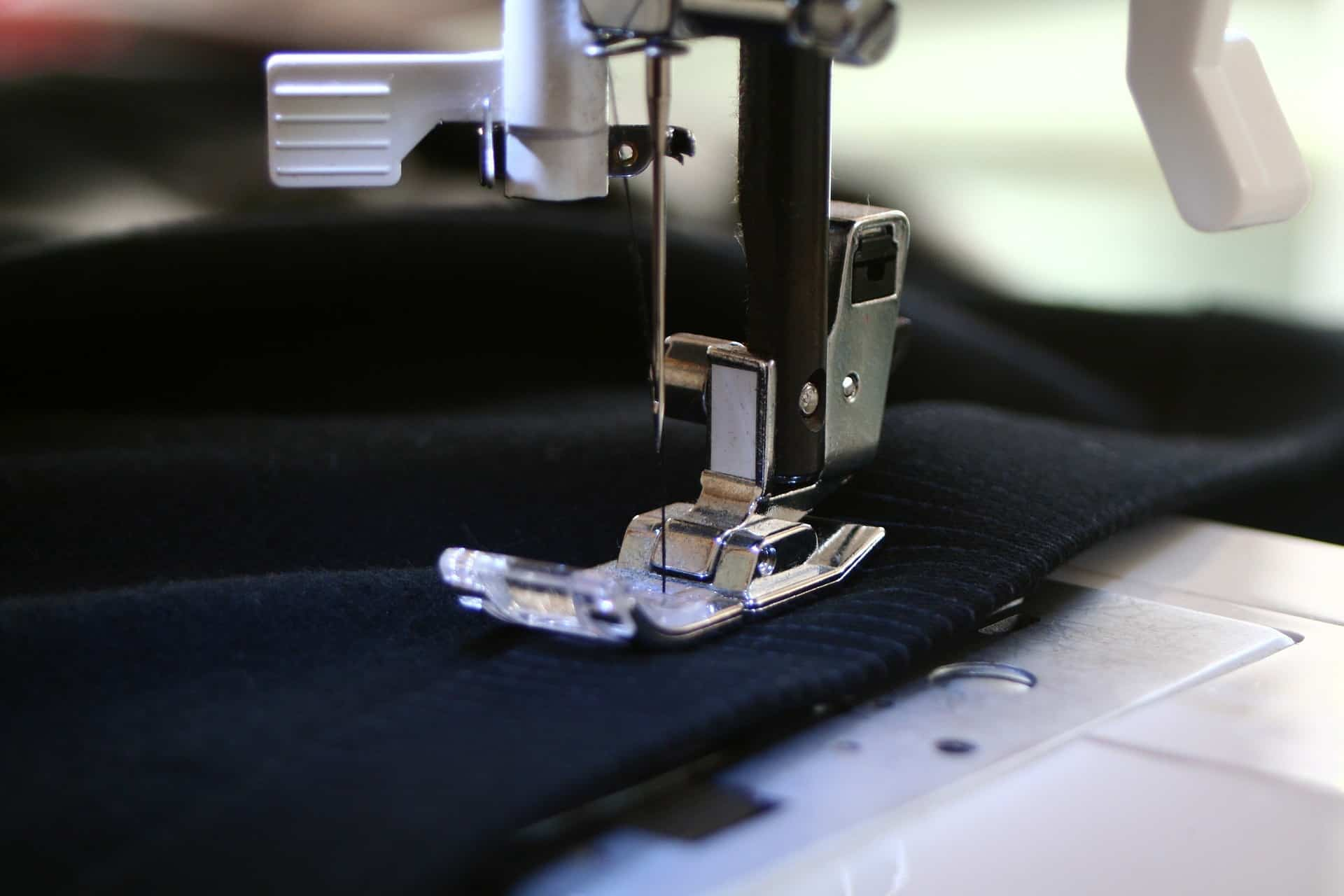 Overlock Nähmaschine: Test & Empfehlungen (04/21)