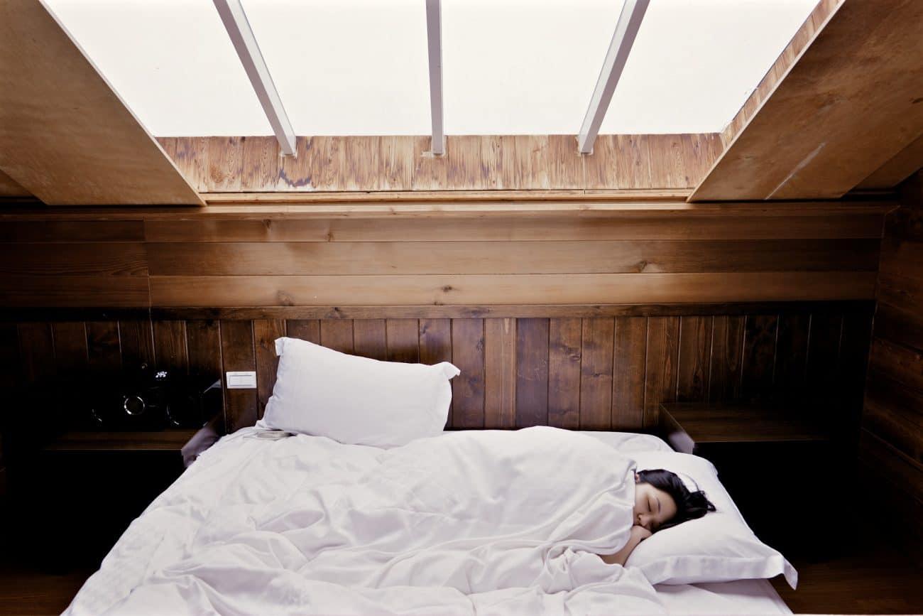 Bett für Dachschräge: Test & Empfehlungen (04/21)