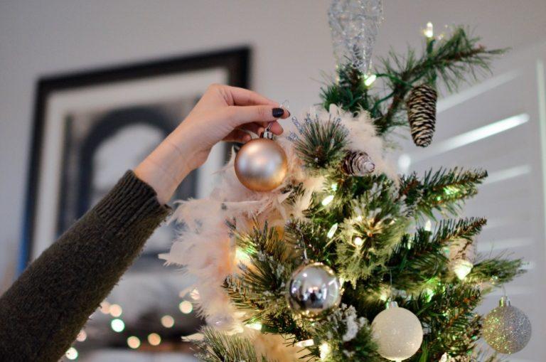 k nstlicher weihnachtsbaum test empfehlungen 12 19. Black Bedroom Furniture Sets. Home Design Ideas