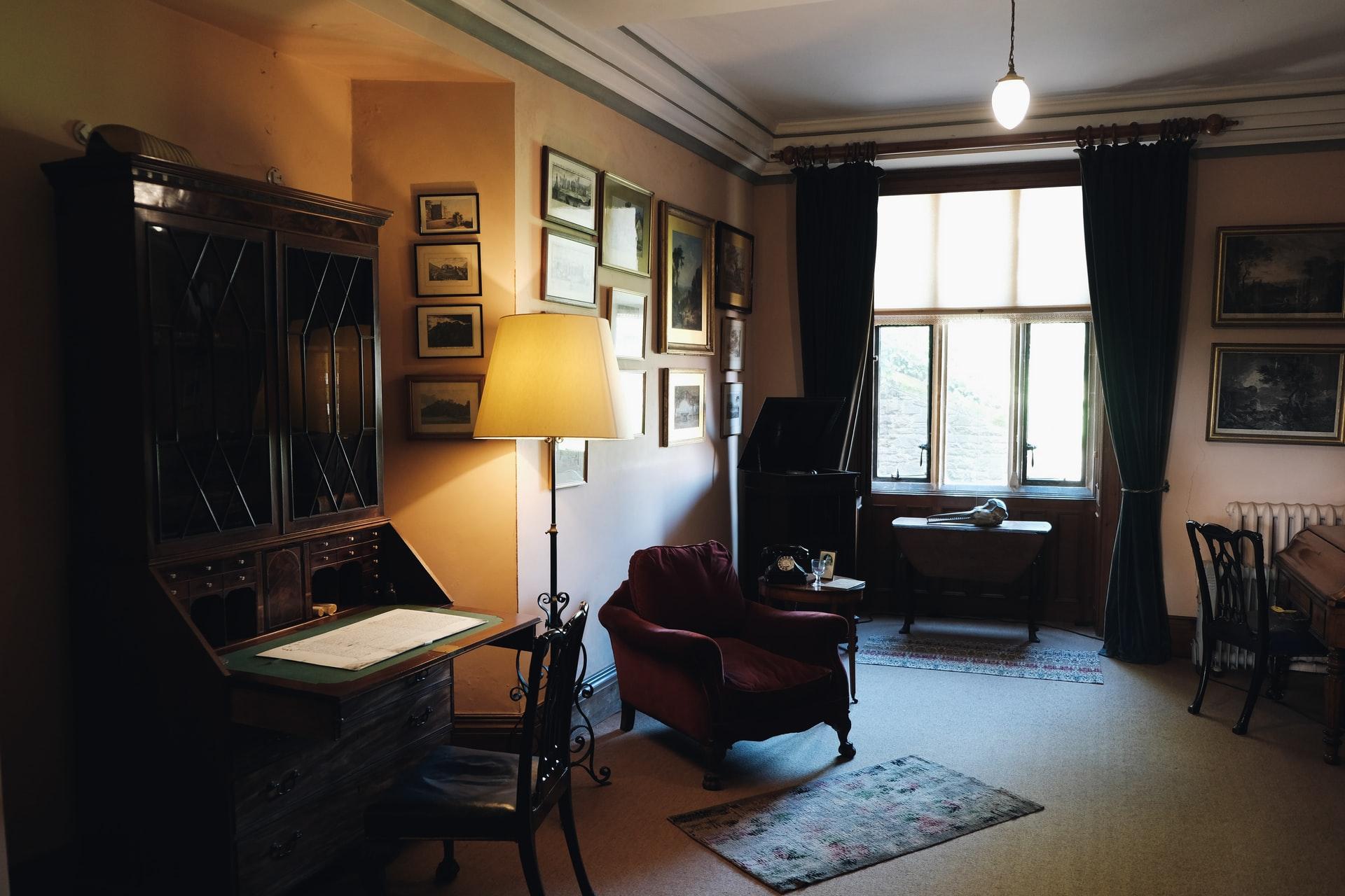 stehlampe-wohnzimmer-test
