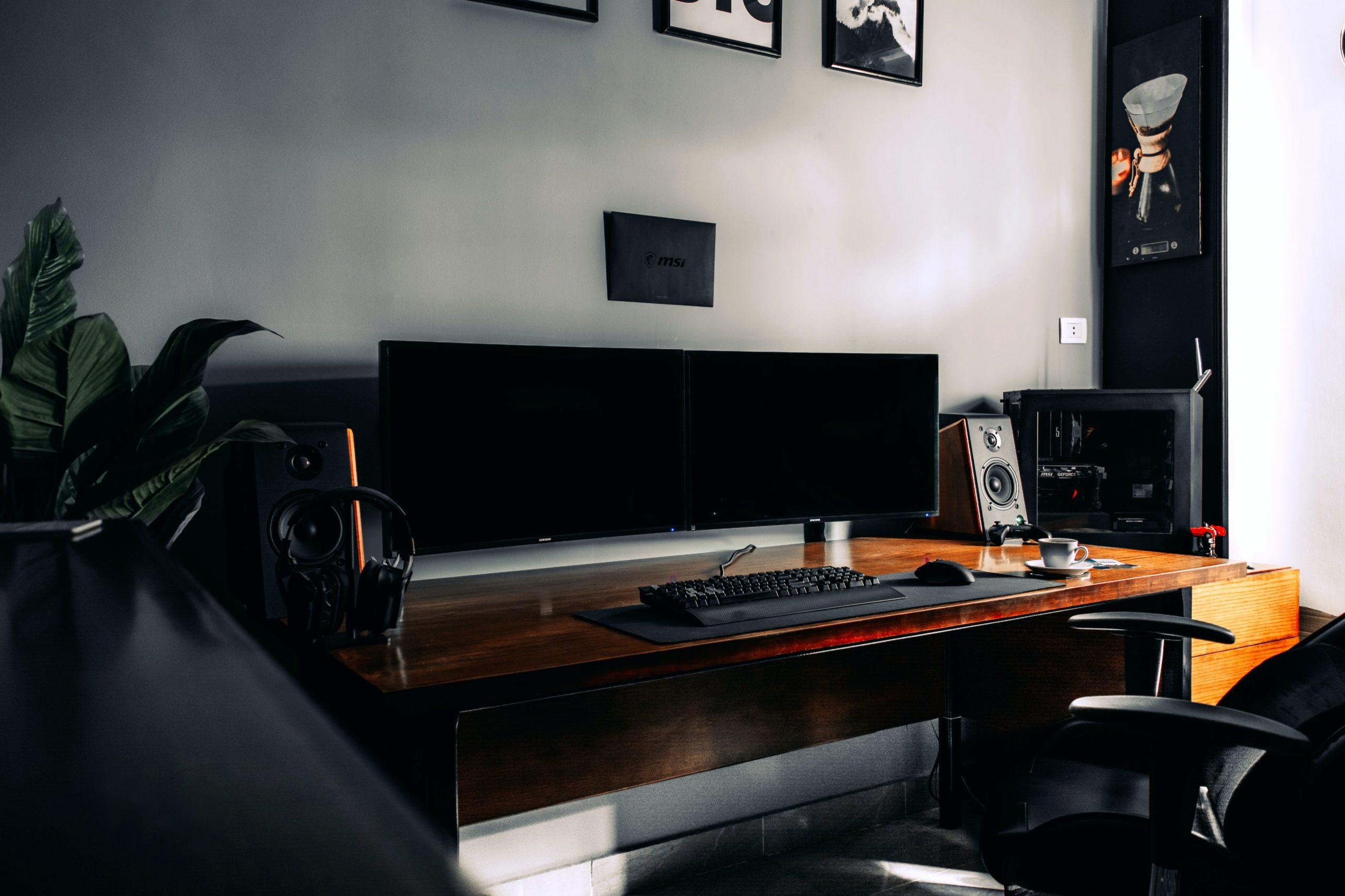 Gamer Schreibtisch