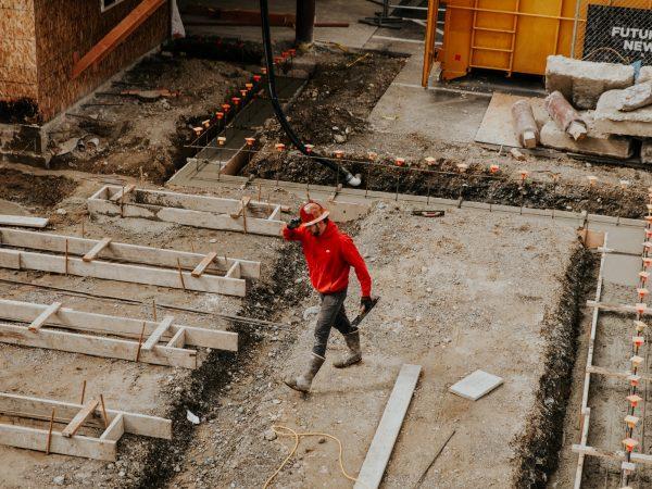 Die Kosten ergeben sich bei der Dämmung aus dem Material und der Stärke. Bildquelle: Becca Tapert/123rf