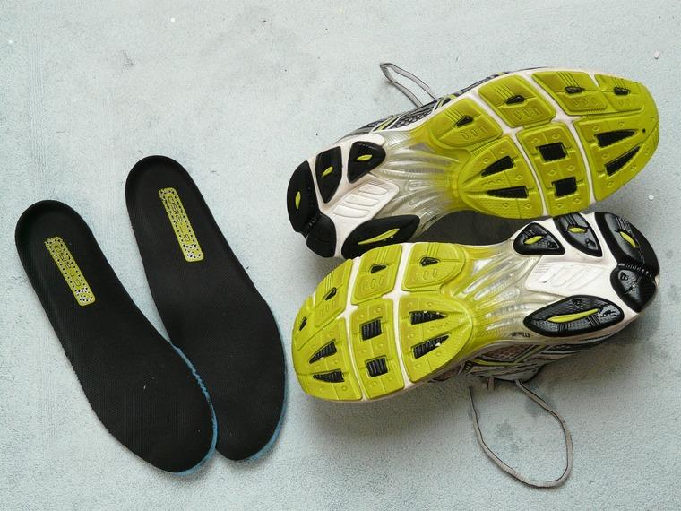 Schuhe mit sohlen